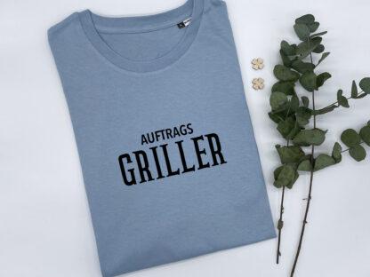 """T-Shirt """"Auftragsgriller"""" in Nordic-Blue"""