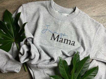"""Pullover """"Jungs Mama"""" in Grau"""